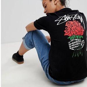 📌Stussy W/ Rose Bouquet Back Print Black T-shirt